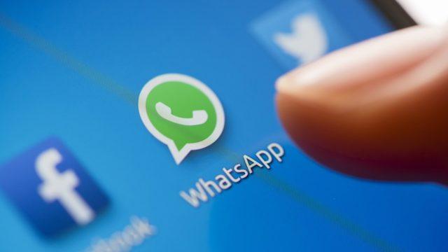 Whatsapp farà scaricare i dati raccolti su di noi