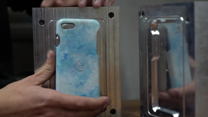 Creare Case per Smartphone dalla plastica di riciclo