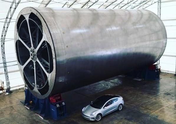 Il Big Falcon Rocket di Space X sarà enorme