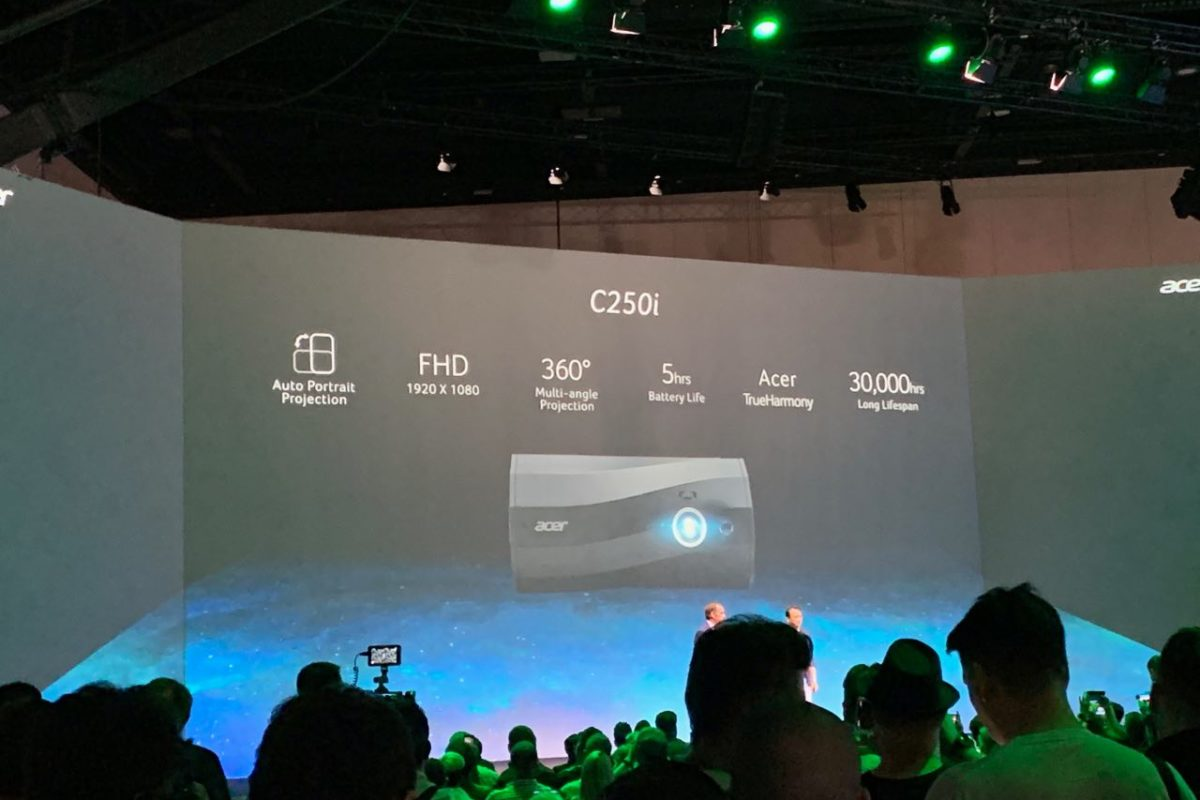 Acer C250i, il nuovo proiettore portatile